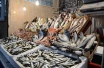 BALIK FİYATLARI - Fırtına Balık Fiyatlarını Yükseltti