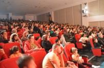 PAMUK ŞEKER - Kastamonu'da Çocuklar Aileleriyle Birlikte Tiyatronun Tadını Çıkardı