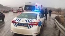 AKARYAKIT TANKERİ - Kırıkkale'de Trafik Kazaları Açıklaması 8 Yaralı