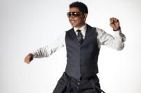 SONY - Mansur Ark Açıklaması '90'Lı Yılların Şarkıları Seviliyor Çünkü Dinleyenlere Çocukluğunu Hatırlatıyor'