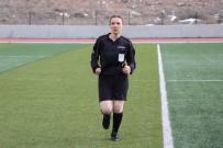 Nevşehir'de İlk Kez Bir Kadın Hakem Maça Çıktı