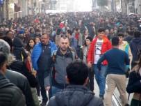 TAKSIM MEYDANı - İstanbul'da 'Bahar' Havası