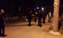 Bursa'da Hareketli Saatler...Kavgayı Ayırmak İsteyen Polislere Ateş Ettiler
