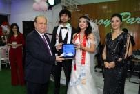 KAYNAR - Özakcan Genç Çiftleri Yalnız Bırakmadı