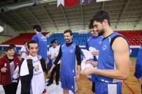 KAĞıTSPOR - Özel Öğrenciler Kağıtspor'un Basketbol Antrenmanında
