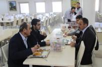 TIP FAKÜLTESİ ÖĞRENCİSİ - Rektör Demirdağ, Tweet Atan Öğrenciyle Yemek Yedi
