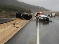TAŞDELEN - Antalya'da 4 Araç Birbirine Girdi Açıklaması 1 Ölü, 7 Yaralı