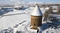 PADIŞAH - Beyaz Örtüye Bürünen Selçuklu Mezarlığı Havadan Görüntülendi