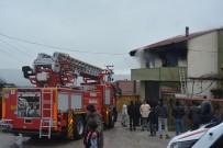 İTFAİYE ARACI - Çanakkale'de Ev Yangını