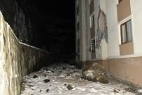 Dev Kayalar Apartmanın Üzerine Düştü