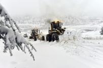 Kar Timleri Toroslarda Karla Boğuşuyor