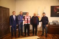 Nevşehir Belediyespor Yöneticileri, NTSO Başkanı Parmaksız'ı Ziyaret Etti