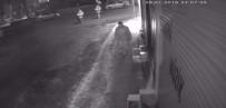 Cep Telefonunu Çalıp Kaçarken Güvenlik Kamerasına Yakalandı