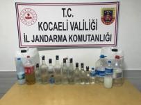 Kocaeli'de Müşterilerine Sahte Alkol Veren Eğlence Mekanına Jandarma Baskını Açıklaması 4 Gözaltı