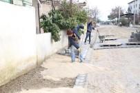 Burhaniye'de Yol Yapım Seferberliği Devam Ediyor