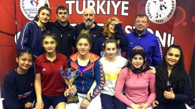 Çorlulu Kadın Güreşçiler Türkiye Şampiyonası'nda Boy Gösterecek