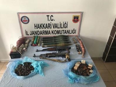 Hakkari'de Silah Ve Mühimmat Ele Geçirildi