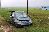 Lastiği Patlayan Araç Şarampole Yuvarlandı Açıklaması 3'Ü Çocuk 7 Yaralı