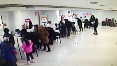 Nüfus Müdürlüğündeki Kavga Güvenlik Kamerasına Yansıdı