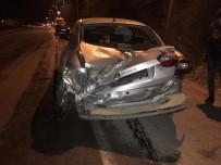 Otomobil, Elektrik Direğine Çarptı 1 Yaralı