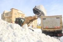 3 Günde 500 Kamyon Kar Taşındı