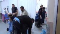 GÜNEY AFRIKA - Ayvalık'ta Mendirek Kayalıklarında Mahsur Kalan 44 Göçmen Kurtarıldı