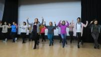 Halk Oyunları Ve Dans Kurslarına Foça'da Büyük İlgi