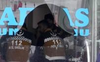 SİLAHLI KAVGA - İki Aile Arasında Silahlı Kavga Açıklaması 1 Ölü, 6 Yaralı