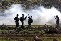PLASTİK MERMİ - İsrail Askerleri Ramallah'ın Bir Köyünde 28 Filistinliyi Yaraladı