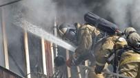 DOĞALGAZ BORU HATTI - Rusya'da 5 Katlı Apartmanda Yangın Açıklaması 1 Ölü