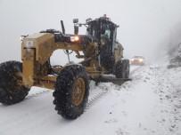 Aydın Büyükşehir Ekipleri Kardan Kapanan Yolları Açıyor