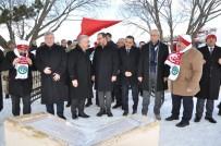 YUSUF İZZET KARAMAN - Bakan Kasapoğlu, Türkiye'nin Kardan Yapılan En Büyük Şehit Askerler Heykelini Açtı