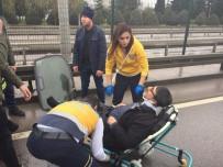 D100'de Otomobil Hafif Ticari Araç İle Çarpıştı Açıklaması 2 Yaralı