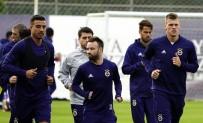 ALPER POTUK - Fenerbahçe basına açık ilk idmanı yaptı