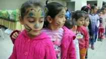 SUBAŞı - Hayırseverler Bin Çocuğun Yüzünü Güldürdü