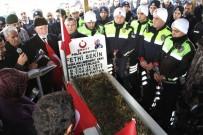 İzmir Kahramanı Şehit Fethi Sekin İçin Kabri Başında Anma Töreni