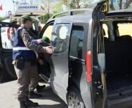 GÜZELÇAMLı - Jandarma 2 Bin 935 Kişiyi Sorguladı, 15 Şüpheliyi Yakaladı