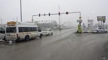 'Kilit Kavşak' Kırıkkale'de Yoğun Sis Ve Kar Yağışı