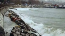 MARMARA DENIZI - Marmara Denizi'nde Ulaşıma Poyraz Engeli