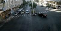 MOTOSİKLET SÜRÜCÜSÜ - Otomobil Motosiklete Çarptı Açıklaması 2 Yaralı