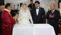 NİKAH ŞAHİDİ - Bakan Turhan'dan Uşak'a Sürpriz Ziyaret