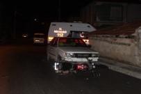 Otomobille Motosiklet Çarpıştı Açıklaması 2 Yaralı