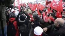 ALLAHUEKBER DAĞLARI - Sarıkamış'ta On Binlerce Kişi Şehitler İçin Yürüdü