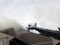 ATAKÖY - Ataköy'de Bir Lüks Villada Çatı Katında Yangın Çıktı