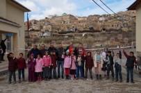 YEMIŞLI - Batman'da 'Orda Bir Köy Var Uzakta' Projesi