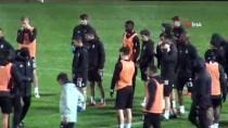 CANER ERKİN - Beşiktaş Antrenmanında Dolu Sürprizi