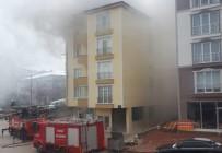 İTFAİYE ARACI - Bilecik'te 5 Katlı Binada Çıkan Yangın Korkuttu
