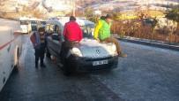 YENIKENT - Buz Pistine Dönen Yolda Araçlar Kaydı