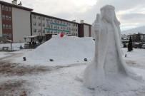 Buzdan Dede Korkut Heykeli