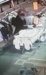 Çalarken Yakalanan Hırsızlar Kamerada